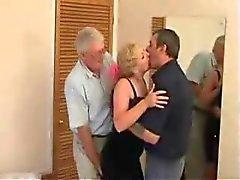 Oudere Swinger trio in een hotel
