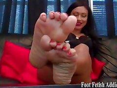 Мои мягкие подошвы и розовые пальцы ног требуют постоянного ухода