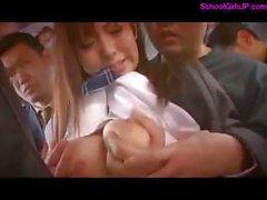2 écolières Rapped En Le d'autobus Obtention leurs seins et les chattes frottés sucer des queues