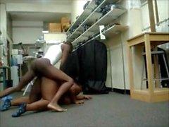Limpiadores empleados Follando en el trabajo - Negro BBW