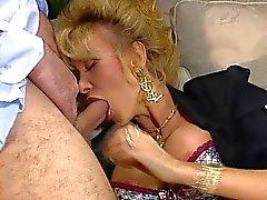Dolly Buster - vídeo clube do partido