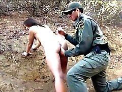Messicano dell'agente border patrol fa scopare Amateur hottie bruna