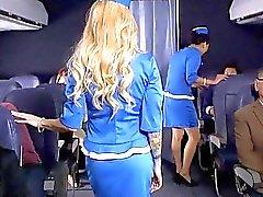 De Helly Mae a attrapé masturber à bord
