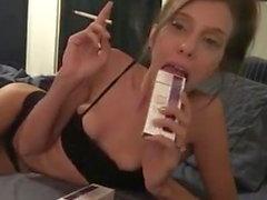 Elizabeth Douglas Eve 120s savuke webbikameralla