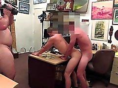 Blonde сексуальный зад вследствие задницу