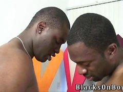 des gars noirs de partage un mec contents amusante