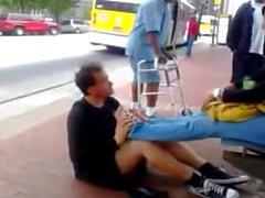 Le dita dei piedi pubblici Succhiare