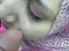 Arab tyttö hijab suihin