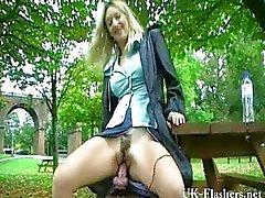 Milfs gigante del dildo Masturbazioni in pubblico