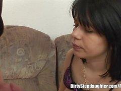 Shy Step kızı Memnun baba