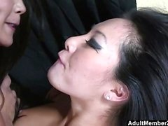 Lucky guy threesome with asian mistresses