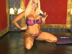 Dannii Harwood 2015-08-21 (1)