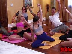 hotties yoga Delicious speronato duro in orgia degustazione cum