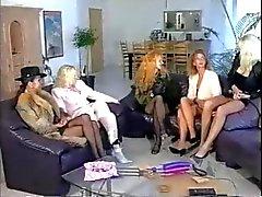 Five ragazze giocare a e la fisting
