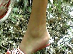 I piedi largo la moglie di 6