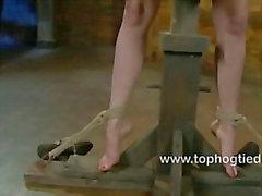 Hot a Danielle consigue atado y amordazada
