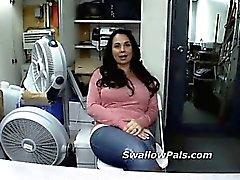 Bandas mujer entrevistada para succionar