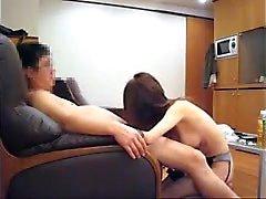 Japanilainen MILF rakastaa lima vittu ja blowjob