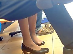 Candide Piedini Dipping asiatici shoeplay in nylon Stewardess