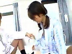 Carina giapponese Slut prende due cazzi In Ospedale 420