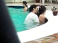 Gender di di piscina che la natura pubblica