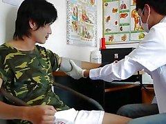 Asya Boy Kinky Tıbbi Rektal Sınavı Aldı
