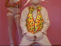 Alice nel paese delle meraviglie fa scopare da carota del bianco coniglio nella figa