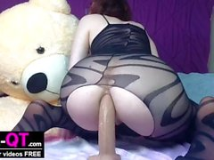 Nerdy girl gives her ass a good pounding for creampie ending