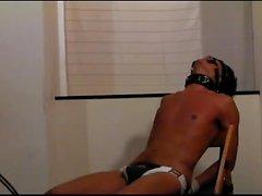 XTube Whipping escravo bronzeada