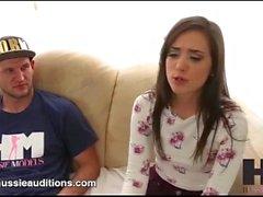 Hussie Auditions - Tiny Big Butt Gia Paige dans sa première audition réelle