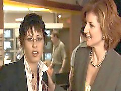 De sarah de Shahi lésbica se beijando apaixonadamente Katherine Moennig