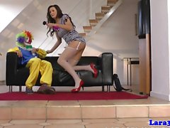 Bisarra brittiska milf fitta knullad av clown