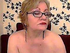 Graisse et grand-mère Gros seins