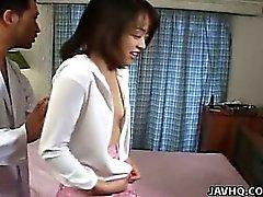 Sevimli bir Japonya Teen istismar Asian kıllı bir düzüşüyor
