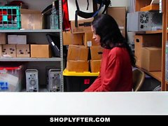 ShopLyfter - Teenager nero interrogato e poi scopato