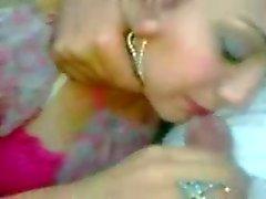 Kauniit arabiemiirikunnat girl sucking paikka autossa