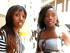 Kameranın bu çarpıcı amatör zenci lezbiyenler görmek gerekir!