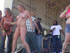 Maduro boob mojado t concurso en abate de iowa 2014