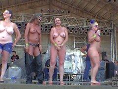 iowa 2014 eksiltme olgun büyük boob ıslak t yarışması