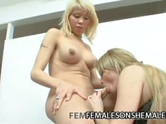 Horny shemale Yanina showing a pussy how shemale fucks
