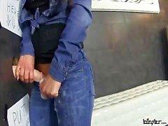 nena Hoyo masturbates con un consolador cremosos