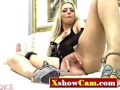 Vaalea Babe joissa lelut - Xshowcam