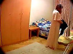 Câmera escondida no mesmo quarto dos esposa