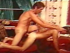 John Holmes neuken een vent hard in zeldzame gay scene