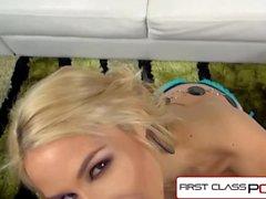 FirstClassPOV - Sarah Vandella imee iso munaa, isoja boobs ja iso booty