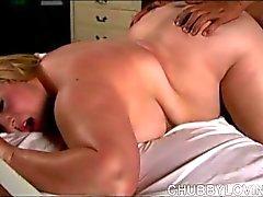 Eccellenti impilata sexy biondi Donne Grosse e Belle è una scopata molto calda