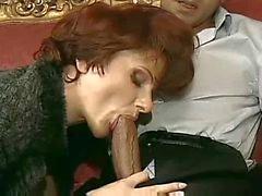 Sexy Franska Mogna Cougar i Heels Sex på soffa