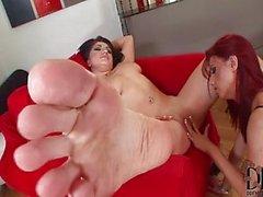 Feticismo del piede lesbica (piedi amanti - sam )