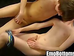 Emo Twink Elliot Hawke immer hart gefickt anal