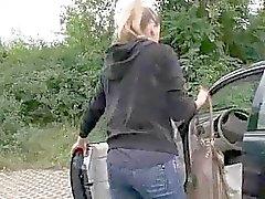 Schattig Tsjechische meisje Nessy geneukt voor geld